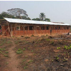 Eine Schule im Dschungel. Foto: Projektpartner
