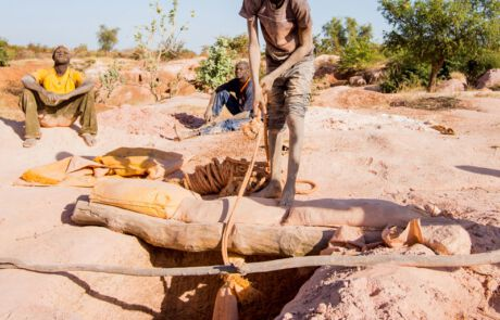Kinderarbeit in den Minen von Burkina Faso
