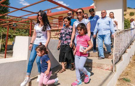 Auseinandergerissen durch den Krieg: Eine Familie sieht sich in Kurdistan wieder.