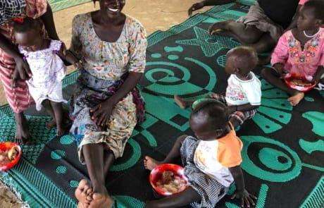 Mütter und Kinder im Ernährungszentrum