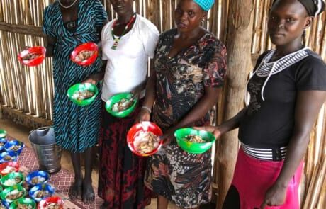 Essensausgabe im Baby-Ernährungszentrum.