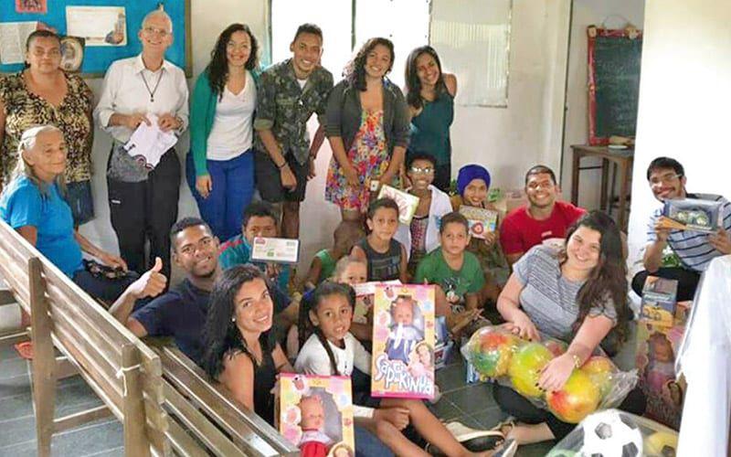 Pater Felix und die brasilianische Jugend