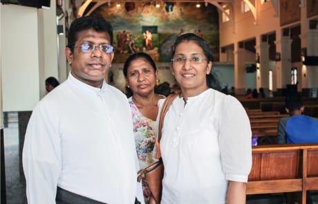 Die Buddhistin bereitet sich auf die Taufe vor