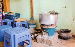 Küche im Aufnahmehaus von Myanmar