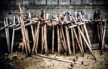 Kreuze für die bestatteten Märtyrer
