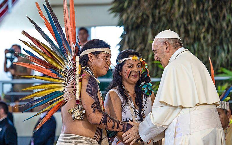 Papst Franziskus unterstützt bedrohte Völker