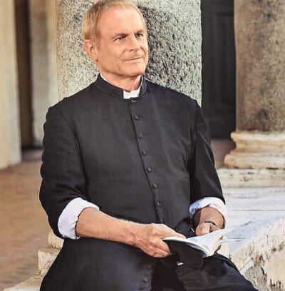 Terence Hill als Pfarrer Don Matteo