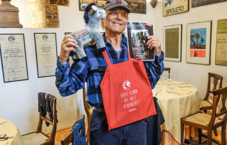 Terence Hill mit Missio Goodies
