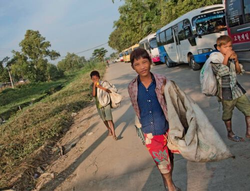 Straßenkinder in Myanmar