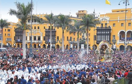 Prozession in der Stadt Lima