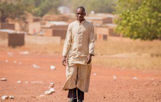 Priester in Afrika, Asien und Lateinamerika brauchen unsere Unterstützung, um ihren Dienst machen zu können.