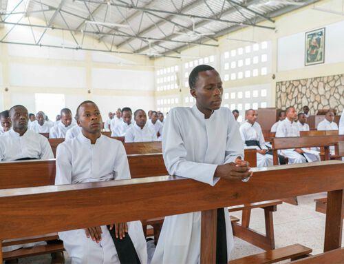 Priester für die Welt