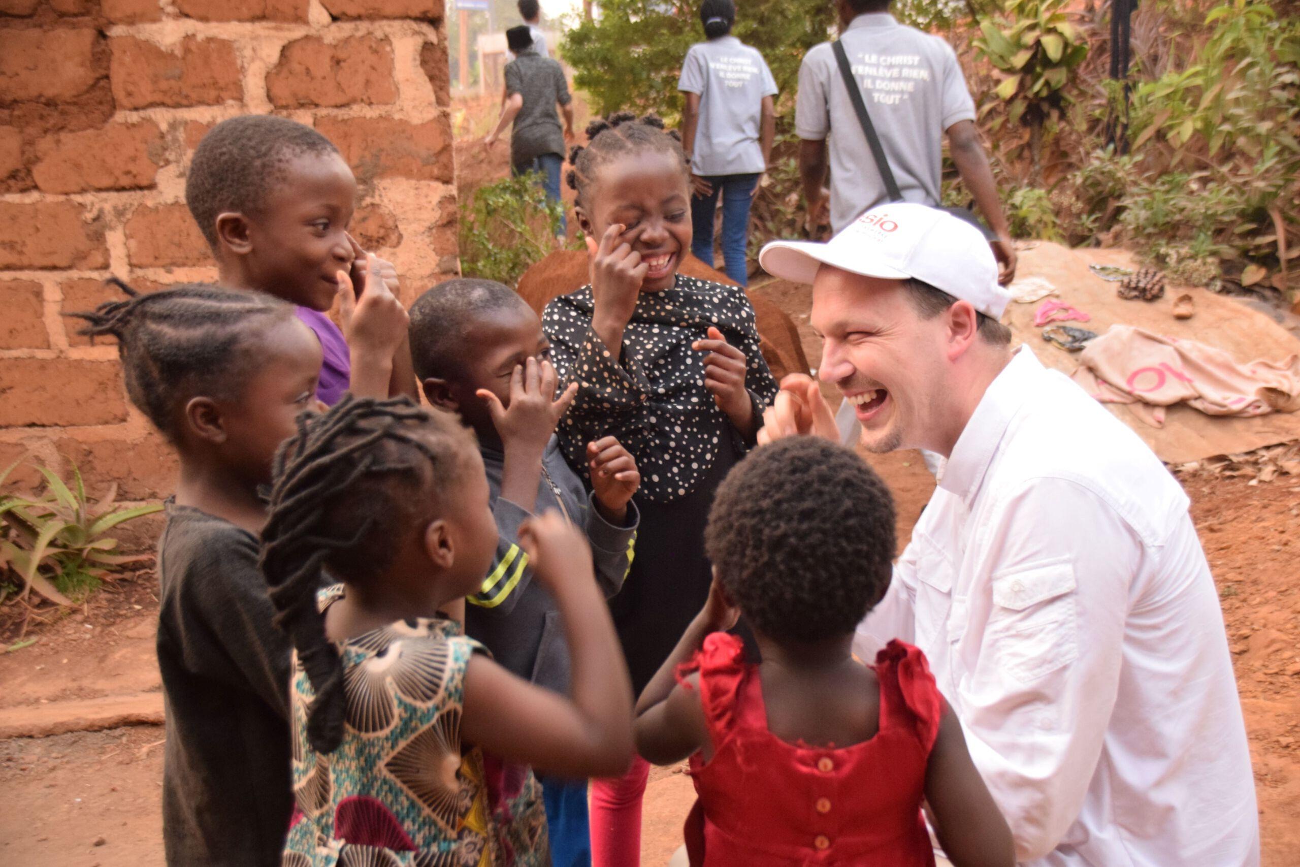 Pfarrer Johannes Laichner zu Besuch in Kamerun