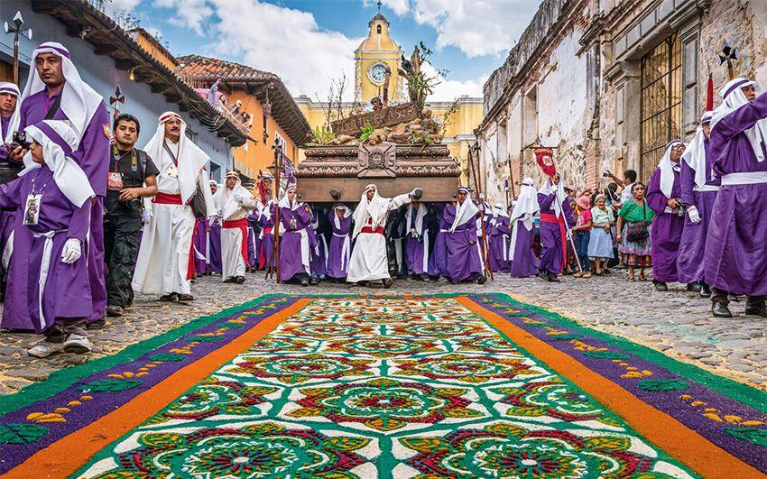Marsch der Cucuruchos