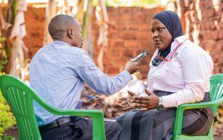 Im Gespräch mit Mama FM-Journalist Patrick Senoga erzählt die Expertin von den Schikanen, denen schwangere Frauen mit einer Behinderung ausgesetzt sind.