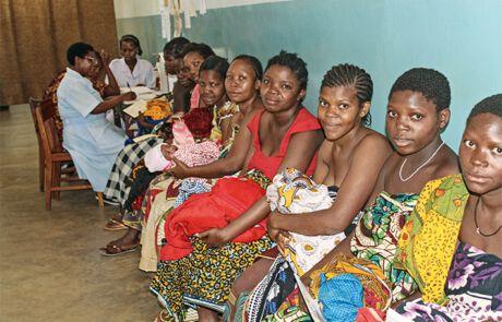 Frauen im Krankenhaus wartend