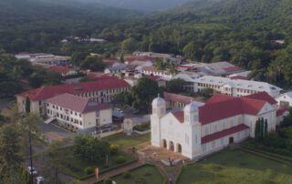 Krankenhaus und Kloster der Missionsbenediktiner in Tansania.
