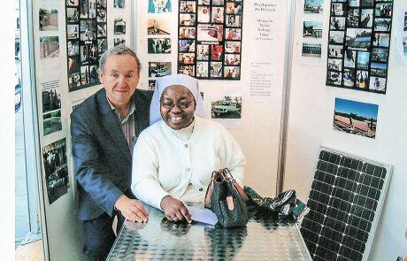 Anton Stadler und Schwester Urbani Lyimo aus Tansania