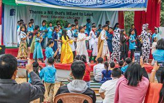 """Indische Jugendliche präsentierten als Erste das Musical """"Hiob""""."""